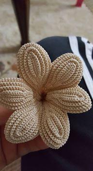Irish lace Irish crochet flower motifs, off white flower applique, Irish crochet decor, wedding decor Set of 3 Filet Crochet, Crochet Motifs, Crochet Stitches, Crochet Flower Tutorial, Crochet Flowers, Crochet Lace, Irish Crochet Patterns, Crochet Designs, Tattoo Dentelle