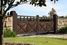 Giddiup specialises in rural and timber fencing and can provide many options including basic post and rail as well as hardwood fencing such as garden picket fences and other tailor made designs. Front Gates, Entrance Gates, Post And Rail Fence, Fence Builders, Modern Lodge, Timber Fencing, Make Design, My House, Hardwood
