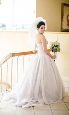 1b8e459be8b6 Search Used Wedding Dresses & PreOwned Wedding Gowns For Sale. Vera Wang ...