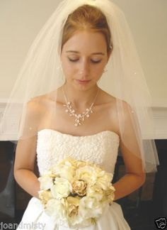 WHITE-VEIL-with-SWAROVSKI-TRANSPARENT-CRYSTALS-20-25-UK-WEDDING-BRIDES-GIFT