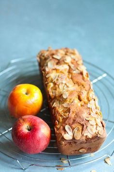 "Apple cake called ""tôt-fait"", quickly made and delicious ! Köstliche Desserts, Best Dessert Recipes, Sweets Recipes, Delicious Desserts, Cooking Recipes, Mousse Au Chocolat Torte, Home Baking, Afternoon Snacks, Smoothie Recipes"