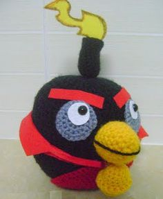 Be A Crafter xD: Free amigurumi pattern: Angry bird space version-Black bird ( Aka Fire bomb bird ) Crochet Crafts, Crochet Toys, Free Crochet, Angry Birds, Amigurumi Patterns, Crochet Patterns, Bird Free, Pokemon, Bird Patterns