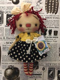 Raggedy Ann, Doll Patterns, Annie, Primitive, Crochet Hats, Teddy Bear, Dolls, Christmas Ornaments, Country