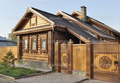 Старинные русские дома с резными наличниками и фронтонами Wooden Architecture, Russian Architecture, Landscape Architecture Design, German Houses, Chalet Interior, Victorian Photos, House Windows, Wooden House, House In The Woods