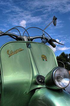 Green Vespa and Blue Sky Vintage Bikes, Vintage Trucks, Vintage Motorcycles, Vintage Vespa, Vintage Italy, Vintage Auto, Piaggio Vespa, Lambretta Scooter, Vespa Ape