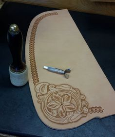 Custom saddle ordering information for handmade wade saddles. Base price, hand tooling, and more custom saddle information. Leather Carving, Leather Tooling Patterns, Leather Pattern, Wade Saddles, Cowboy Gear, Leather Projects, Leather Crafts, Carving Designs, Leather Notebook