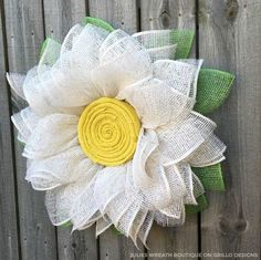 Side view of poly burlap wreath. Learn how to make this handmade flower wreath here