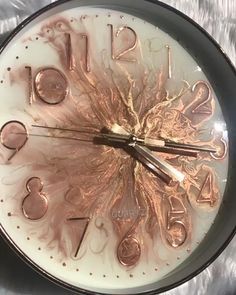 Basteln/ Deko Made using rose gold pigment, premium heat resist resin, rose gold glitter and metalli Diy Resin Art, Epoxy Resin Art, Diy Resin Crafts, Diy And Crafts, Arts And Crafts, Art Crafts, Resin Art Supplies, Rose Gold Glitter, Metallic Gold