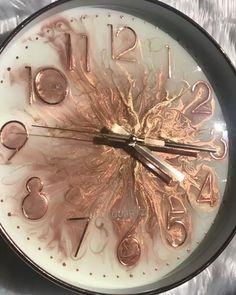 Basteln/ Deko Made using rose gold pigment, premium heat resist resin, rose gold glitter and metalli Diy Resin Art, Epoxy Resin Art, Diy Resin Crafts, Diy Arts And Crafts, Art Crafts, Rose Gold Glitter, Metallic Gold, Glitter Room, Resin Art Supplies