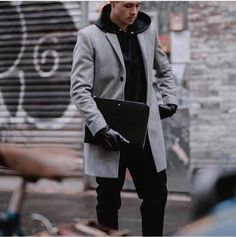 autumn date outfit Wealthy Lifestyle, Luxury Lifestyle, Lifestyle News, Formal Casual, Pinterest Fashion, Shirtless Men, Men Style Tips, Casual Winter Outfits, Mens Clothing Styles