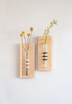 This black hanging vase is the perfect wall decor for any wall and a unique home accessory. This wall hanging flower vase is the ideal mother's day gift or wedding gift. Unique tube vase wrapped and… Unique Home Accessories, Unique Home Decor, Decorative Accessories, Diy Home Decor, Interior Accessories, Kitchen Accessories, Wall Terrarium, Terrarium Plants, Terrarium Ideas