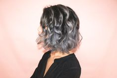 Loving this grey ombre hair :') im actually thinking about getting this ! Grey Hair Styles For Women, Medium Hair Styles, Short Hair Styles, Grey Hair Maintenance, Silver Ombre Hair, Short Grey Hair, Ombré Hair, Hair Pictures, Hair Highlights