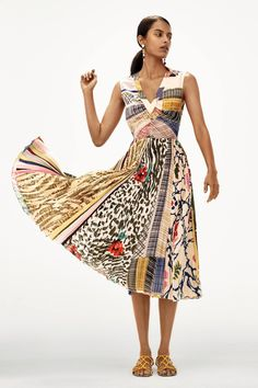 Presented by Anthropologie. With a colorfully eye-catching print and an oh-so-flattering silhouette, this dress suits every invite and every occasion of the season. Isle Of Man, Casual Dresses, Fashion Dresses, Summer Dresses, Fashion Styles, Dresses Dresses, Geisha, Fit Flare Dress, Fit And Flare