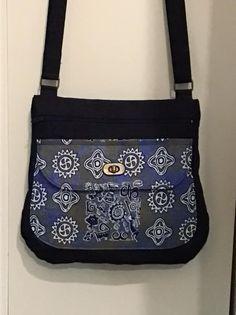 Sac Polka noir et imprimé cousu par Véronique - Patron Sacôtin Messenger Bag, Satchel, Shoulder Bag, Bags, Fashion, Sewing, Black People, Handbags, Moda