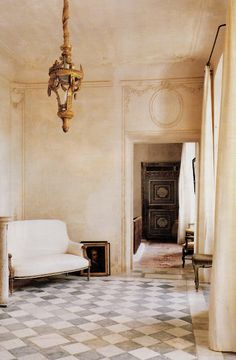 Chateau de Gignac, interior design, patinas, furnitures....from Elise Valdorcia