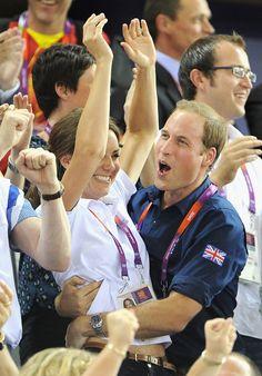 Kate & William applauding