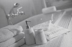 Mooie accessoires bij Zwarthoed Kirry verkrijgbaar voor in uw badkamer of toilet.