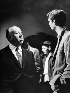 "Alfred Hitchcock & Anthony Perkins on the set of ""Psycho"" (1960) (via mptvimages/Universal Studios)"