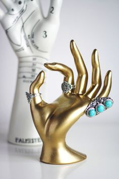 DIY - Gold hand jewelry stand