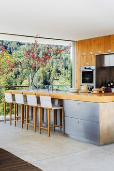 home by Nicole Hollis in Larkspur, California. Photo by Laure Joliet | #kitchen