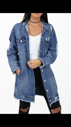 How to Wear an Oversize Denim Jacket   Street Style   Denim ... e7d1e82bfc