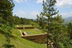 Предлагаю вам посмотреть, как может выглядеть современная землянка) Данный современный дом находится в Доминиканской республике, спроектирован Чилийской…