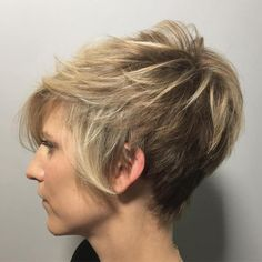 70 Overwhelming Ideas for Short Choppy Haircuts - - Layered Brown Blonde Pixie Short Choppy Haircuts, Choppy Bangs, Messy Short Hair, Medium Short Hair, Blonde Pixie, Modern Hairstyles, Messy Hairstyles, Natural Hairstyles, Peinados Pin Up