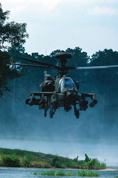 """""""Apache"""" helicopter during the Iraq war Helicopter Plane, Attack Helicopter, Military Helicopter, Military Aircraft, Ah 64 Apache, Photo Avion, Focke Wulf, Fear Of Flying, Naval"""