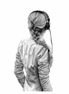 Yanni Floros charcoal on paper x cm headphone ilustration Pencil Art Drawings, Art Sketches, Girl With Headphones, Hair Sketch, Cute Girl Wallpaper, Digital Art Girl, Girls Summer Outfits, Amazing Drawings, How To Draw Hair