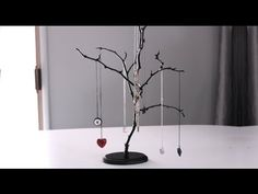 DIY Easy Tree Jewelry Stands in under 20 minutes for 10 dollars Diy Jewelry Stand, Wire Jewelry, Diy Jewelry Tree, Jewellery Stand, Diy Jewelry Videos, Earring Cards, Diy Necklace, Jewelry Organization, My Room
