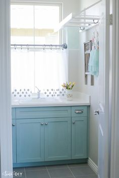 DIY Polka Dot Curtains-@megangibbs04 --This made me think of your CUTE laundry room for some reason!