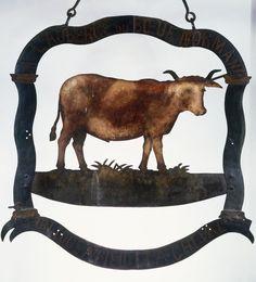 """FRANCE : """"l'auberge du boeuf normand"""" en haut sur une banderole et en bas """" On loge à pied et à cheval """""""