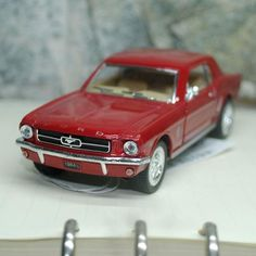 1/36 Scale Car Toys 1964 Ford Mustang Diecast Metal Pull Back Model Collection/Gift/Kids/Decoration