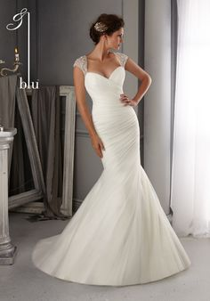 Formal Hip Modest Ivory White $$$ - $1501 to $3000 Beading Cap Sleeve Fit-n-Flare Floor Mori Lee Natural Ruching Spring Sweetheart Wedding Dresses Photos & Pictures - WeddingWire.com
