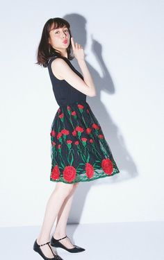 トリンドル玲奈が一目惚れ♡「ビビビっときたの」|NET ViVi|講談社『ViVi』オフィシャルサイト Reina Triendl, Japanese Models, Creative Photography, Short Hair Styles, Dress Up, Actresses, Lady, Skirts, Cute