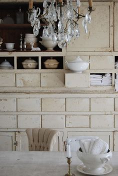 all #white in the kitchen...