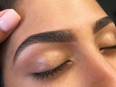 Long Eyebrows, Mircoblading Eyebrows, Eyebrows Goals, Natural Eyebrows, Threading Eyebrows, Waxing Eyebrows, Eyebrow Makeup Tips, Permanent Makeup Eyebrows, Eye Makeup