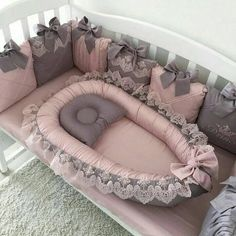 Lovely girl bedding Crib for princess Pink and gray crib bedding for queen Childrens room Baby Crib Sets, Baby Cribs, Baby Bedroom, Baby Room Decor, Baby Nest Bed, Grey Crib, Baby Room Design, Nursery Design, Baby Sewing Projects