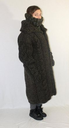 kg Coat itchy and scratchy thick knit wool coat cardigan turtleneck hood V-neck chunky wool jacket for men knitted by Strickolino Thick Sweaters, Wool Sweaters, Extreme Knitting, Pullover Outfit, Fluffy Sweater, Sweater Outfits, Coats For Women, Fur Coat, Chunky Knits