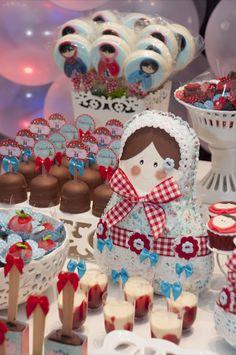 Festeggiare Bambini: Matrioskas para Duda e Sofia