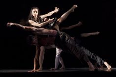 I suoni del Sud, la passione d'amore tradotta in #danza. «Cantata», coreografia di Mauro #Bigonzetti, sarà in scena il 7 e l'8 novembre per la IV Edizione di Autunno Danza. Protagonisti i solisti e il corpo di ballo del #SanCarlo e il primo ballerino ospite Alessandro #Macario.   Scegli il tuo posto al link: http://teatrosancarlo.it/play/card/576   #AutunnoDanza13 | teatrosancarlo.it | #ilPalcoscenicodelMondo