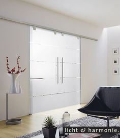 A room divider made of glass and at the same time a sliding door. A room divider made of glass and at the same time a sliding door. Interior Garden, Home Interior Design, Sliding Glass Door, Sliding Doors, Garden Room Extensions, Room Divider Curtain, Cool Curtains, White Walls, Home Remodeling