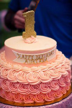 ... cream filling. Bottom tier- vanilla cake layered with banana custard
