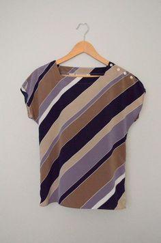 50/'s Powder Blue Textured Polyester Sleeveless Boxy Blouse Plisse Collar Size Medium