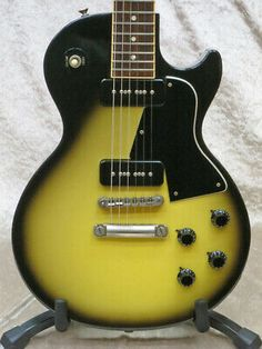 & Gibson Les Paul Special Electric Guitars F/S. Vintage Electric Guitars, Cool Electric Guitars, Guitar Crafts, Gibson Les Paul Studio, Fender Japan, Les Paul Standard, Body Electric, Gretsch, Europe