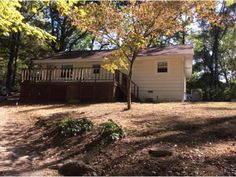 2 bedrooms, 1 bath home with viewing distance of the lake. Outbuilding for storage. Plenty of area to park your boat. Attached carport. Side and front wrap-around deck. Freshly painted. Hardwood flooring in main living areas. All info taken from tax records. Buyer to verify in Morristown TN