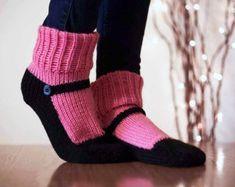 Knit Slipper Sock Adult Mary Jane Slippers Sox Raspberry Pink House Slippers Womens Slippers Home Slippers Black House Shoes Home Shoes Knitted Slippers, Slipper Socks, Cafe Coton, Bleu Violet, Crochet Shoes, Knitting Socks, Knit Socks, Irish Crochet, Womens Slippers