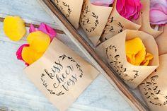 Wedding Petal Toss Bag - Kraft Paper Favor Bags - Kiss Cheer Toss - Rose and Flower Petals - 20 Kraft Bags