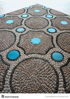 Portfolio - Pebble Mosaic, like the blue, dont always see added color. Pebble Mosaic, Stone Mosaic, Pebble Art, Mosaic Art, Mosaic Glass, Mosaic Tiles, Pebble Floor, Mosaic Madness, Raku Pottery