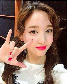 #nayeon #twice #twicenayeon #twicemomo #twicedahyun #twicetzuyu #twicejeongyeon #twicecoaster #twicechaeyoung #twicejihyo #twicemina #twicesana #momo #dahyun #tzuyu #jeongyeon #chaeyoung #jihyo #mina #sana